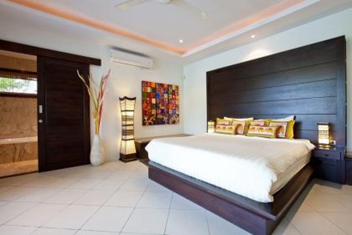Baan Fuangfah Master Bedroom