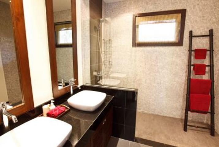 Baan Fuangfah Bathroom 2