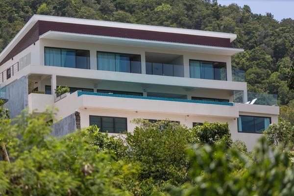 4 Bedroom Sea view villa - front view