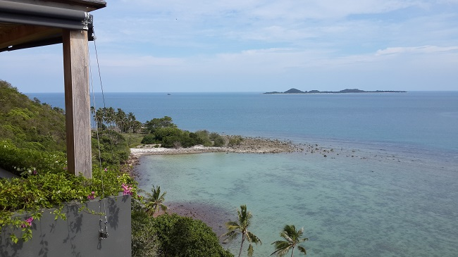 Koh Samui, Luxury villa, ocean front, 5 bedrooms, view towards Koh Mudsum