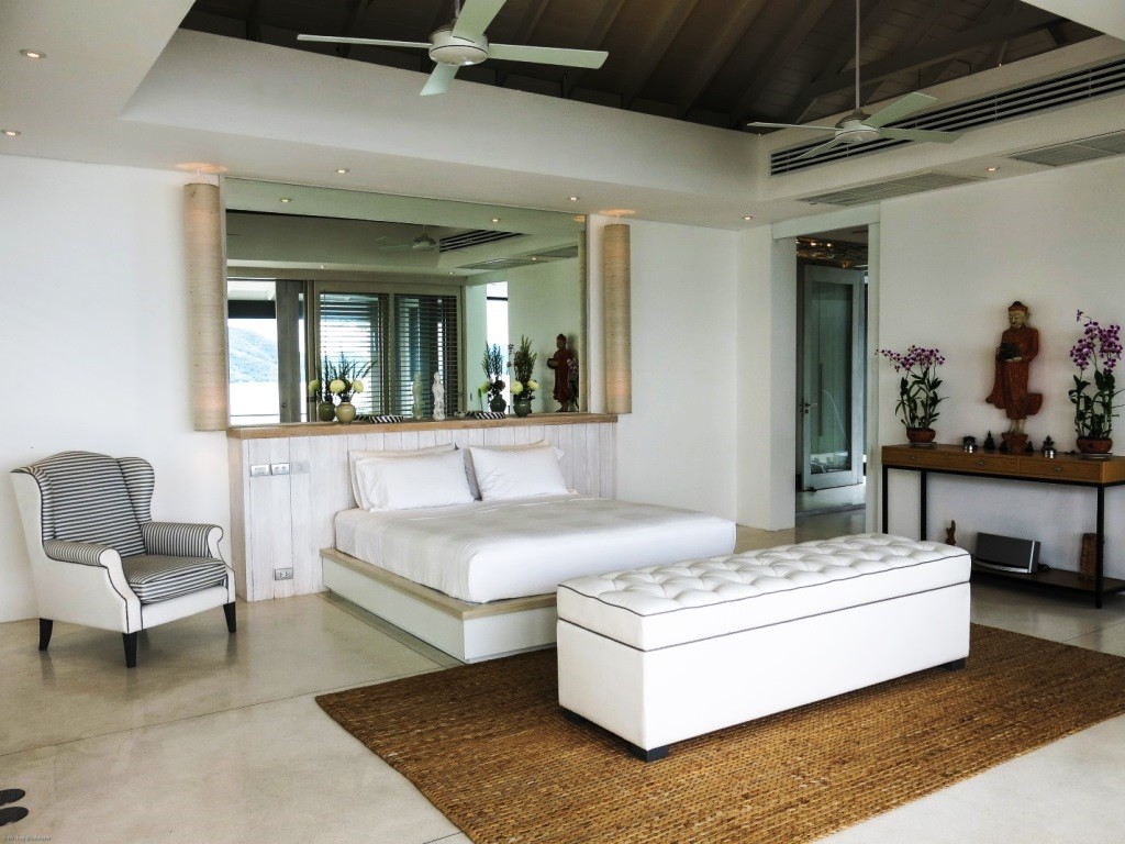 Koh Samui, 6 Bedroom luxury villa, Laem Sor, ocean front, Master Bedroom
