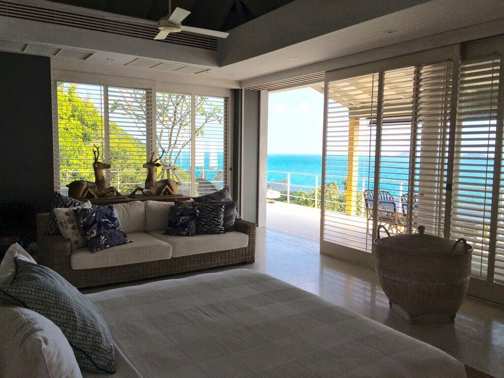 Koh Samui, Luxury villa, ocean front, 5 bedrooms, master bedroom