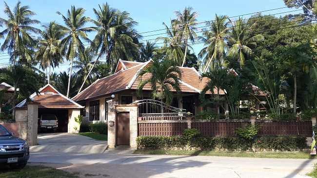 Koh Samui, Bungalow, 3 Bedrooms, Ban Kao, near sea, front view