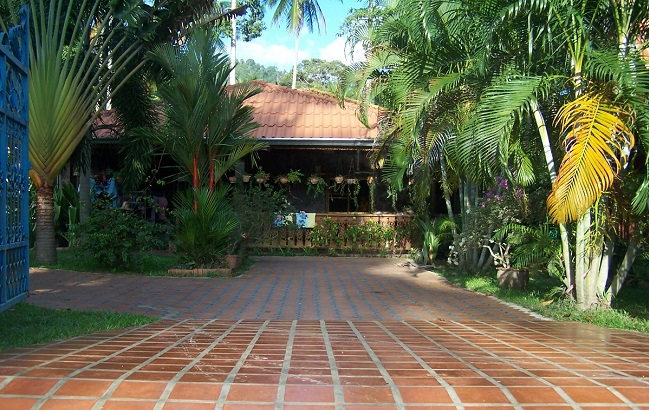 Koh Samui, Lamai,4 Bedroom bungalow, large site, entrance,