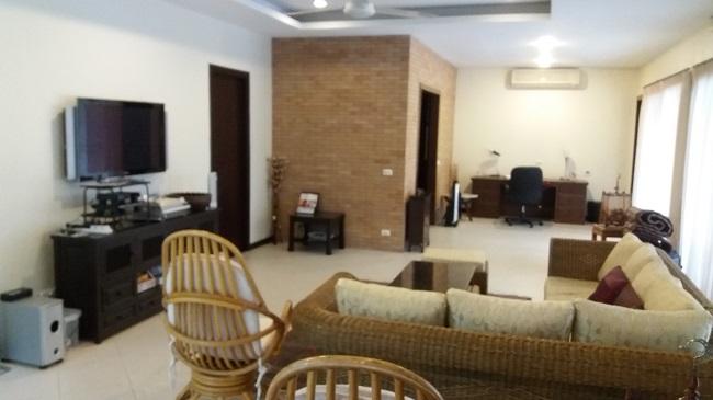 Koh Samui, 3 bed bungalow, Samram Gardens, Maenam, living room.