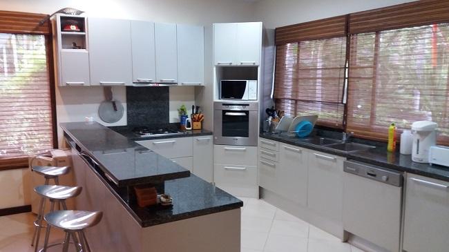 Koh Samui, 3 bed bungalow, Samram Gardens, Maenam, kitchen