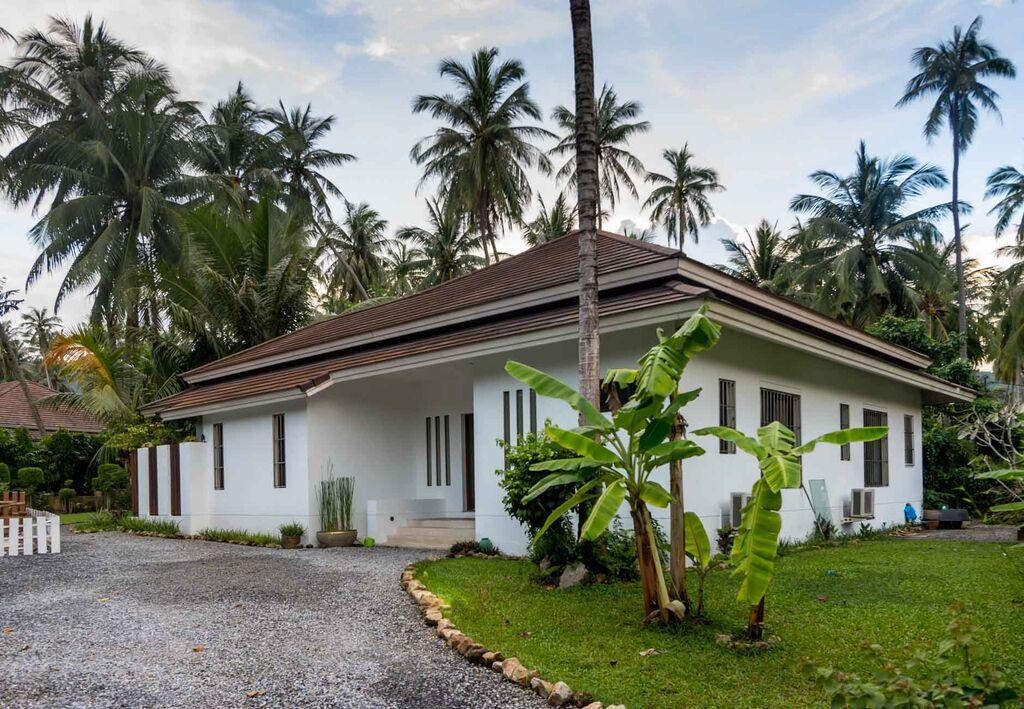 Koh Samui, Maenam, Samran Gardens, 3 Bedroom bungalow, front view