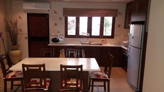 Koh Samui, Bophut, villa for sale, townhouse for sale, Baan Ton Mai, dining room, kitchen,