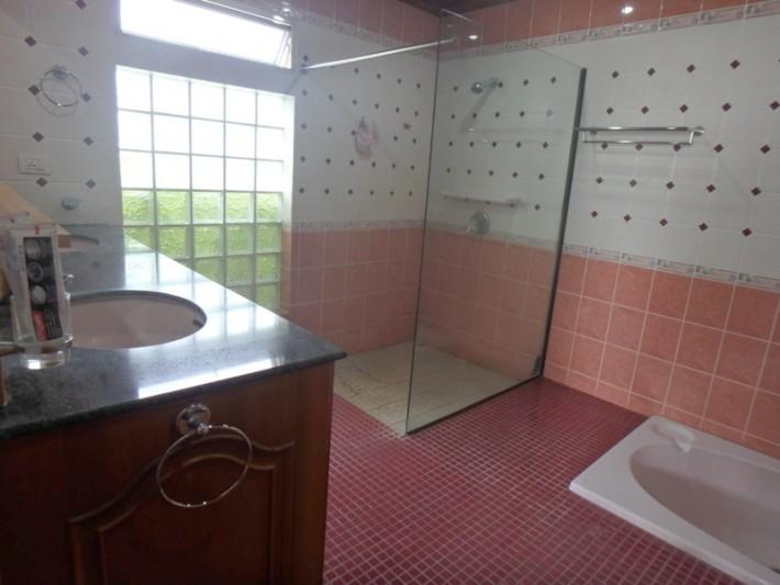 Koh Samui Beach Villa for sale, Bungalow on the beach for sale, bedroom 1 Bathroom.