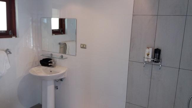 Ko Samui villa for sale, Sea view villa for sale, Villa with apartment for sale, bathroom 1,