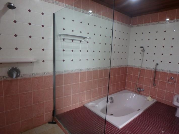 Koh Samui Beach Villa for sale, Bungalow on the beach for sale, bedroom 1 bathroom,