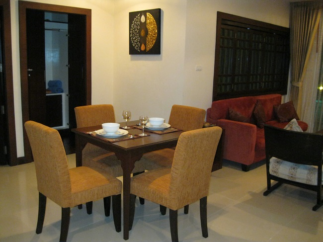 Koh Samui Apartment for Sale, Foreign Freehold Apartment for Sale, dining area,