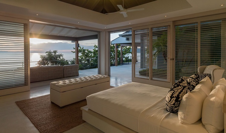 Koh Samui Luxury Villa for Sale, Ocean front villa for sale, bedroom,