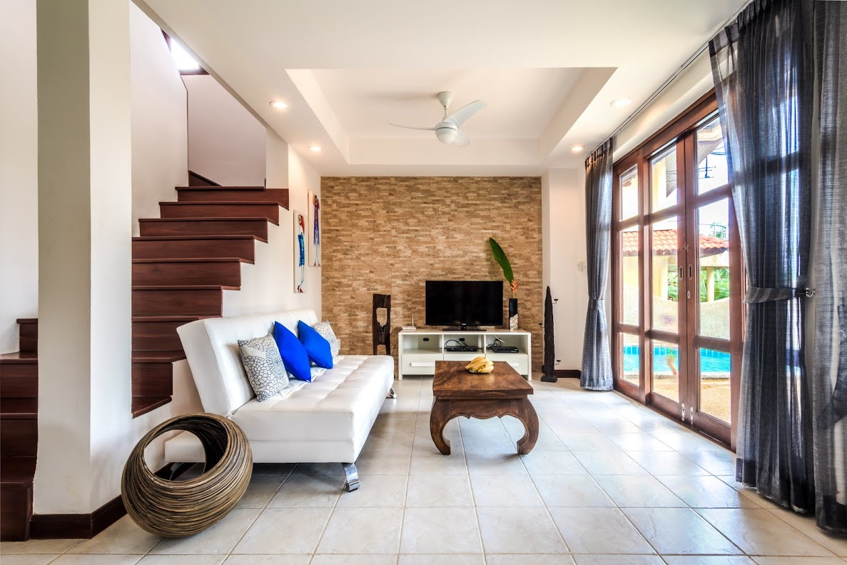 Koh Samui Villa For Sale, Tong Song Bay Villa for Sale, 4 bedroom villa, living room,