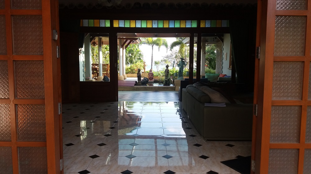 Koh Samui Beach Villa for sale, Bungalow on the beach for sale, entrance,