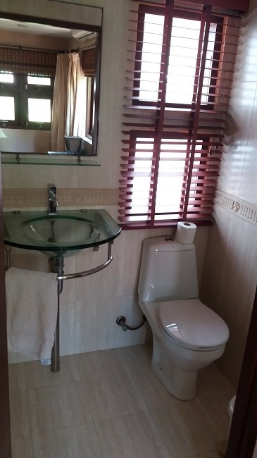Koh Samui Bungalow for sale, 2 bedroom bungalow for sale, small washroom,