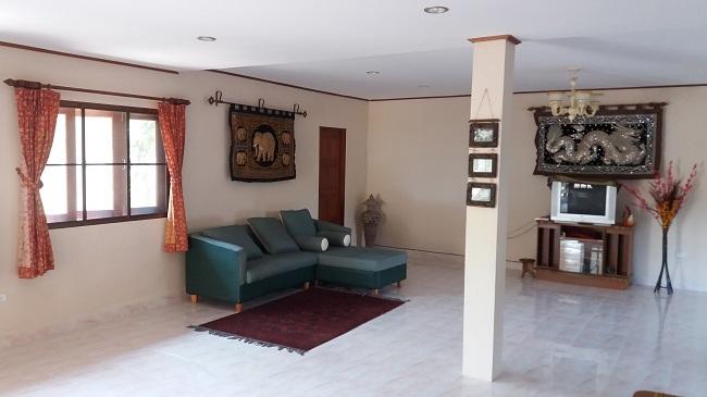 Koh Samui Villa for Sale, Villa near beach for sale, apartment, living room,