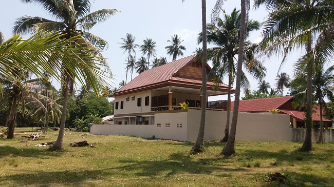 Koh Samui Villa for Sale, Villa near beach for sale, rear view,