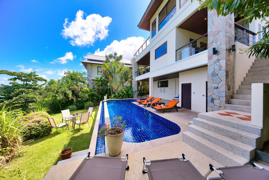 Koh Samui luxury villa for sale, ocean front villa for sale, pool and deck,