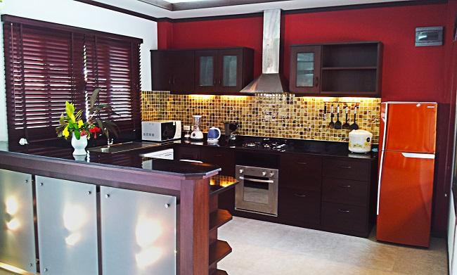 Koh Samui bungalow for sale, 4 bedroom bungalow for sale, Villa Lychee for sale, kitchen,