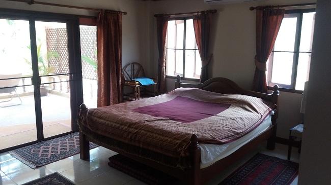 Koh Samui Villa for Sale, Villa near beach for sale, front bedroom,