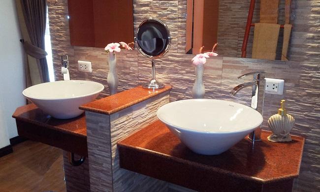 Koh Samui bungalow for sale, 4 bedroom bungalow for sale, Villa Lychee for sale, bathroom,
