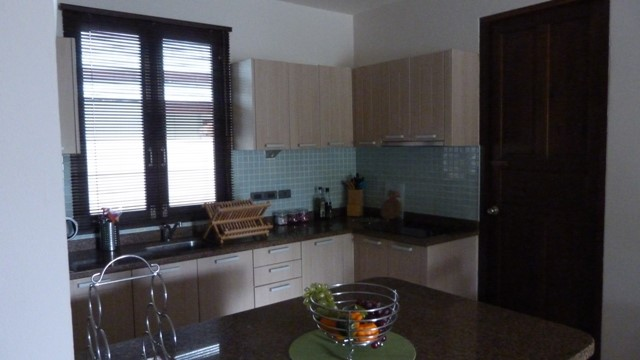Koh Samui bungalow for sale, 3 bed bungalow for sale, kitchen,