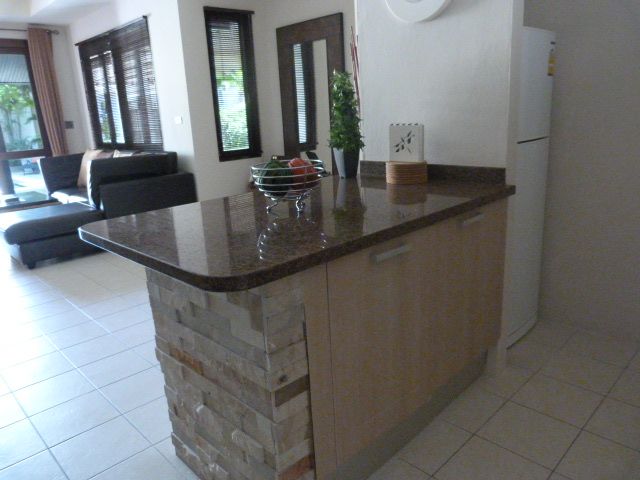 Koh Samui bungalow for sale, 3 bed bungalow for sale, kitchen counter,