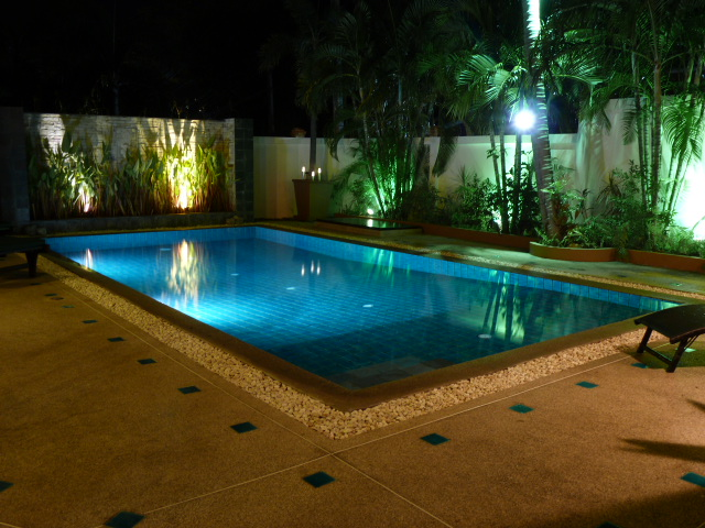 Koh Samui bungalow for sale, 3 bed bungalow for sale, pool at night,