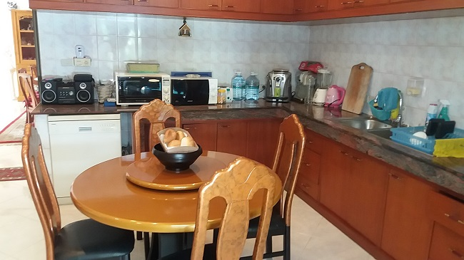Koh Samui Villa for sale, 6 bedroom villa for sale, Pool villa for sale, kitchen,