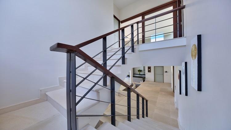 Koh Samui Luxury Villa for sale; Koh Samui Beach front Villa for Sale, Stairs to First Floor