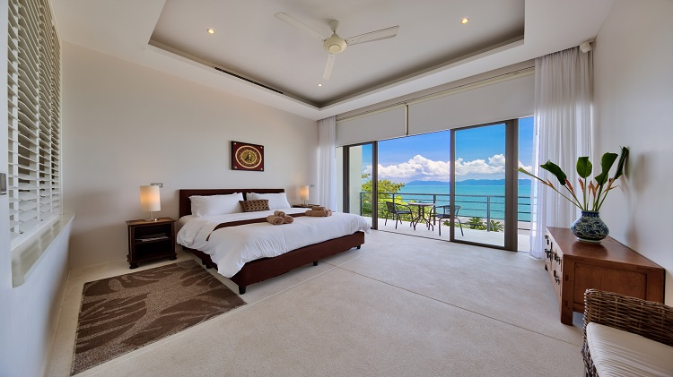 Koh Samui Luxury Villa for sale; Koh Samui Beach front Villa for Sale, Master Bedroom