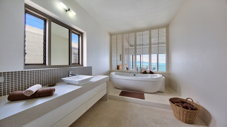 Koh Samui Luxury Villa for sale; Koh Samui Beach front Villa for Sale, Master Bathroom