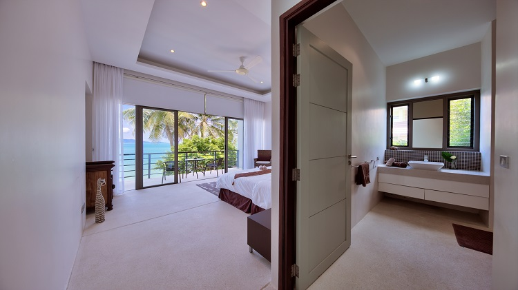 Koh Samui Luxury Villa for sale; Koh Samui Beach front Villa for Sale, Bedroom 2