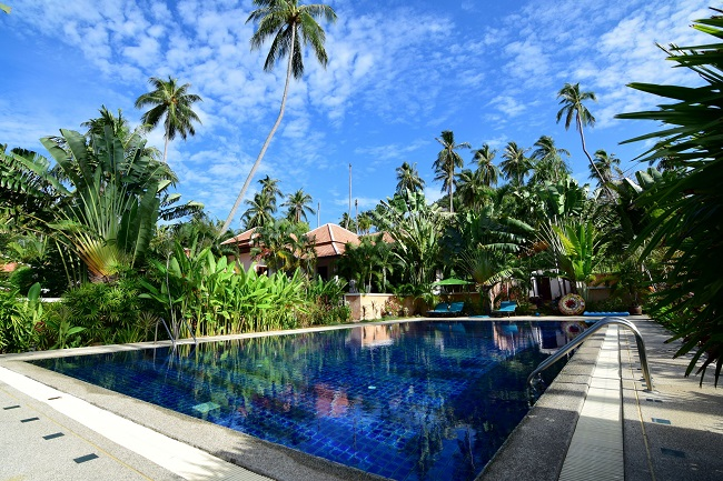 Koh Samui villa for sale, Koh Samui bungalow for sale, 3 bedroom house for sale, communal pool,