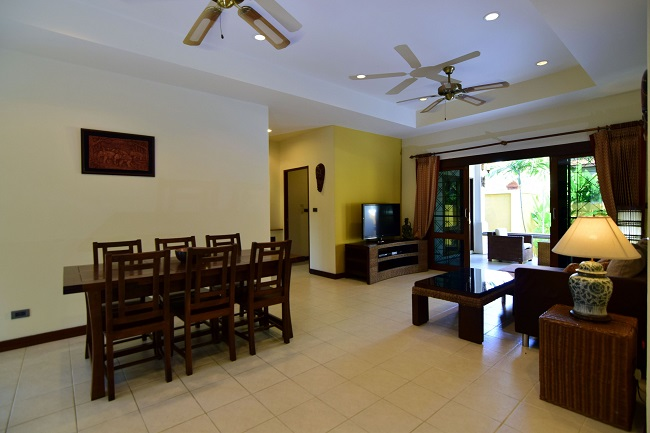 Koh Samui villa for sale, Koh Samui bungalow for sale, 3 bedroom house for sale, dining area,