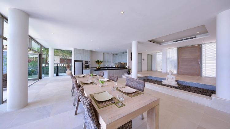 Koh Samui Luxury Villa for sale; Koh Samui Beach front Villa for Sale, Dining Area