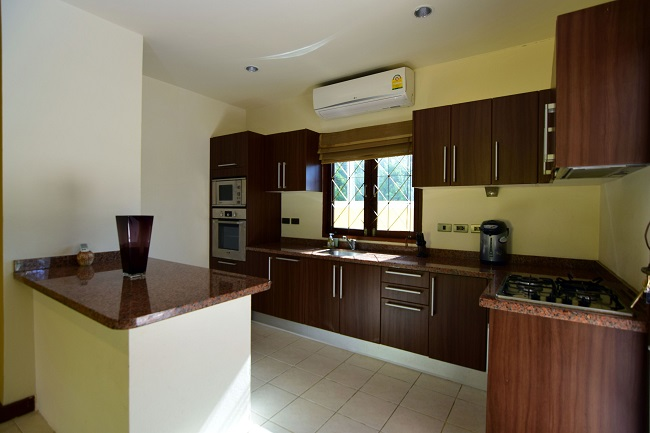 Koh Samui villa for sale, Koh Samui bungalow for sale, 3 bedroom house for sale, kitchen,