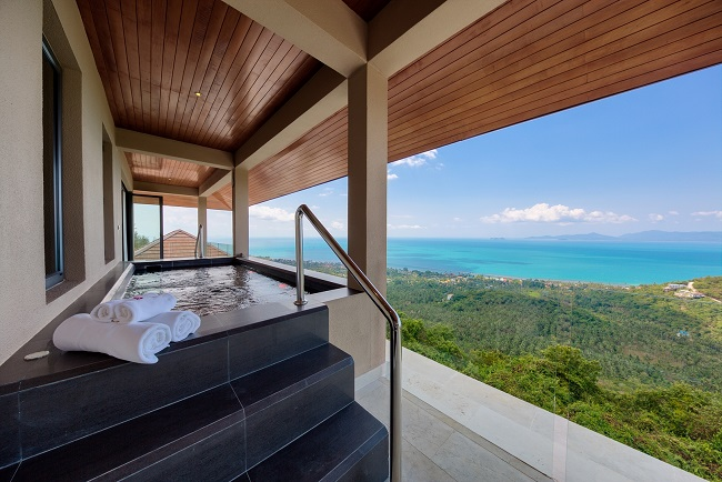 Koh Samui Luxury Villa for sale, Angthong Hills villa for sale, Jacuzzi between 3 and 4