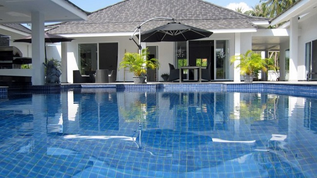 Ko Samui Properties villas for sale, modern pool villas, two villas for sale at discounted price,