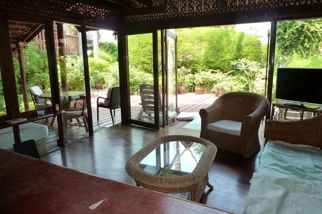 Ko Samui Properties vacation villa for sale on long lease, beach villa for sale, living room,
