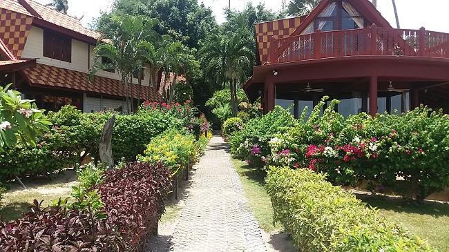 Ko Samui Properties vacation villa for sale on long lease, beach villa for sale, walk to beach,