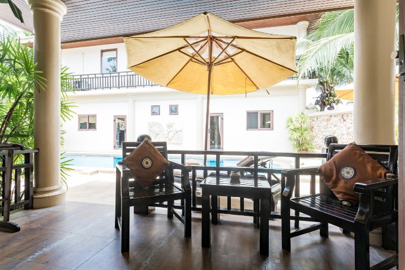 Ko Samui Properties luxury beach front villa for sale, Beach front villa with apartments for sale in Koh Samui, apartments, terrace,