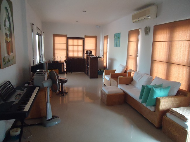 Ko Samui Properties villa for rent, 3 bed bungalow for rent, living room,