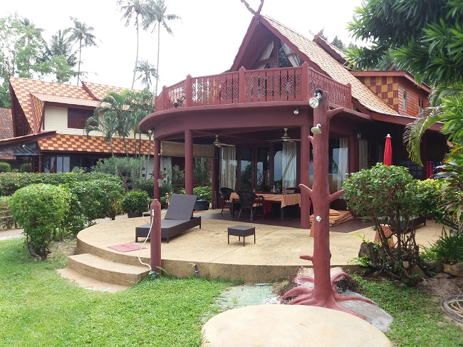 Ko Samui Properties vacation beach villa for sale on long lease, beach villa for sale in Koh Samui, front view,