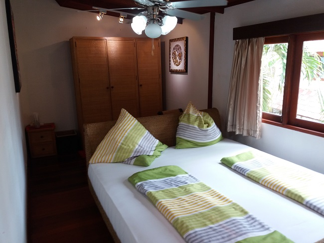 Ko Samui Properties vacation beach villa for sale on long lease, beach villa for sale in Koh Samui, rear bedroom,