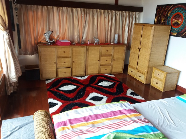 Ko Samui Properties vacation beach villa for sale on long lease, beach villa for sale in Koh Samui, front bedroom,