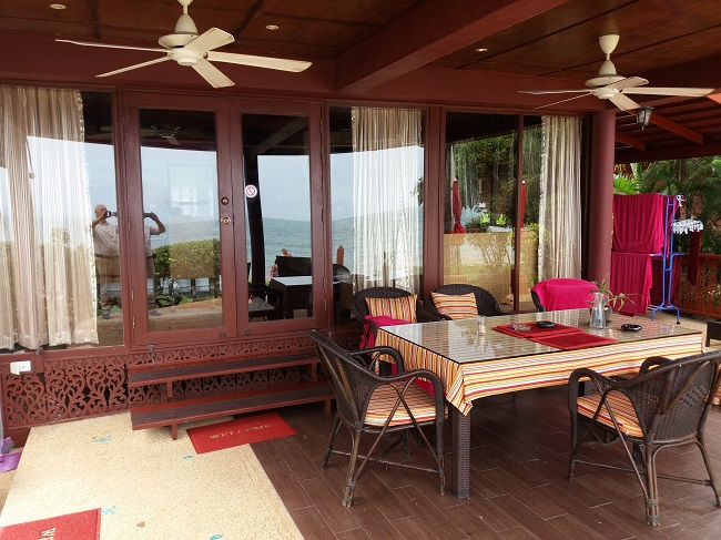 Ko Samui Properties vacation beach villa for sale on long lease, beach villa for sale in Koh Samui, covered terrace,