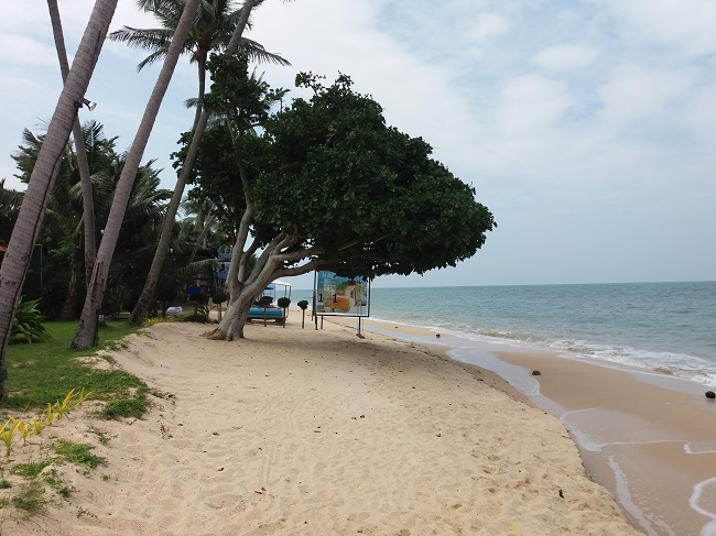 Ko Samui Properties vacation beach villa for sale on long lease, beach villa for sale in Koh Samui, beach view to west,