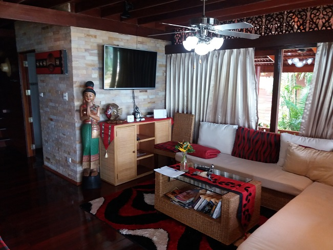 Ko Samui Properties vacation beach villa for sale on long lease, beach villa for sale in Koh Samui, lounge,